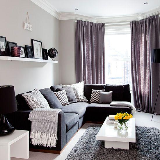canapé gris et coussins