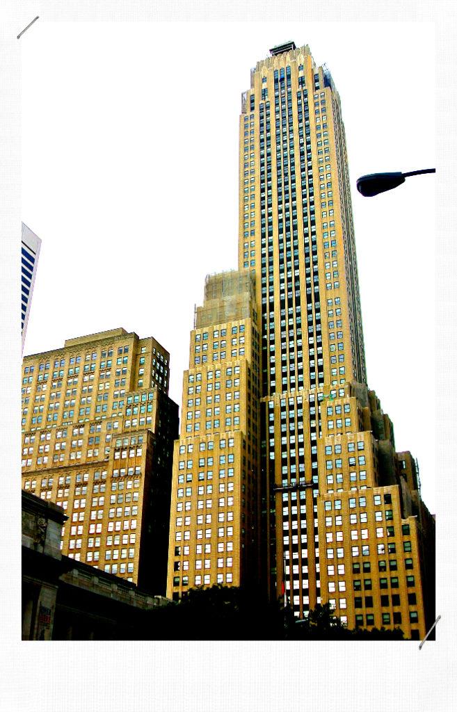 NEW YORK ART DECO BUILDING