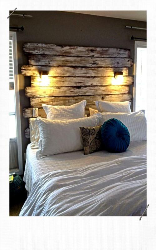 Tête de lit avec des planches