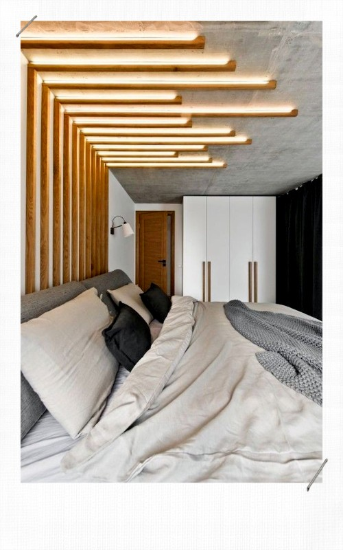 tête de lit avec des tasseaux