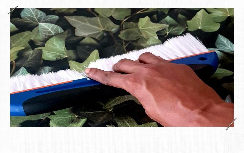brosse à papier peint