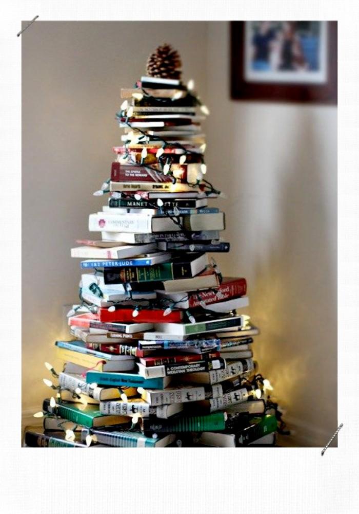 sapin de noël avec des livres