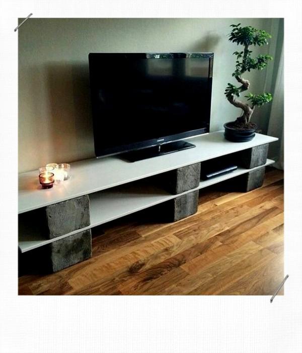 Meuble télé DIY parpaing ou brique