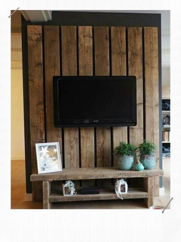 meuble télé DIY en planche de coffrage